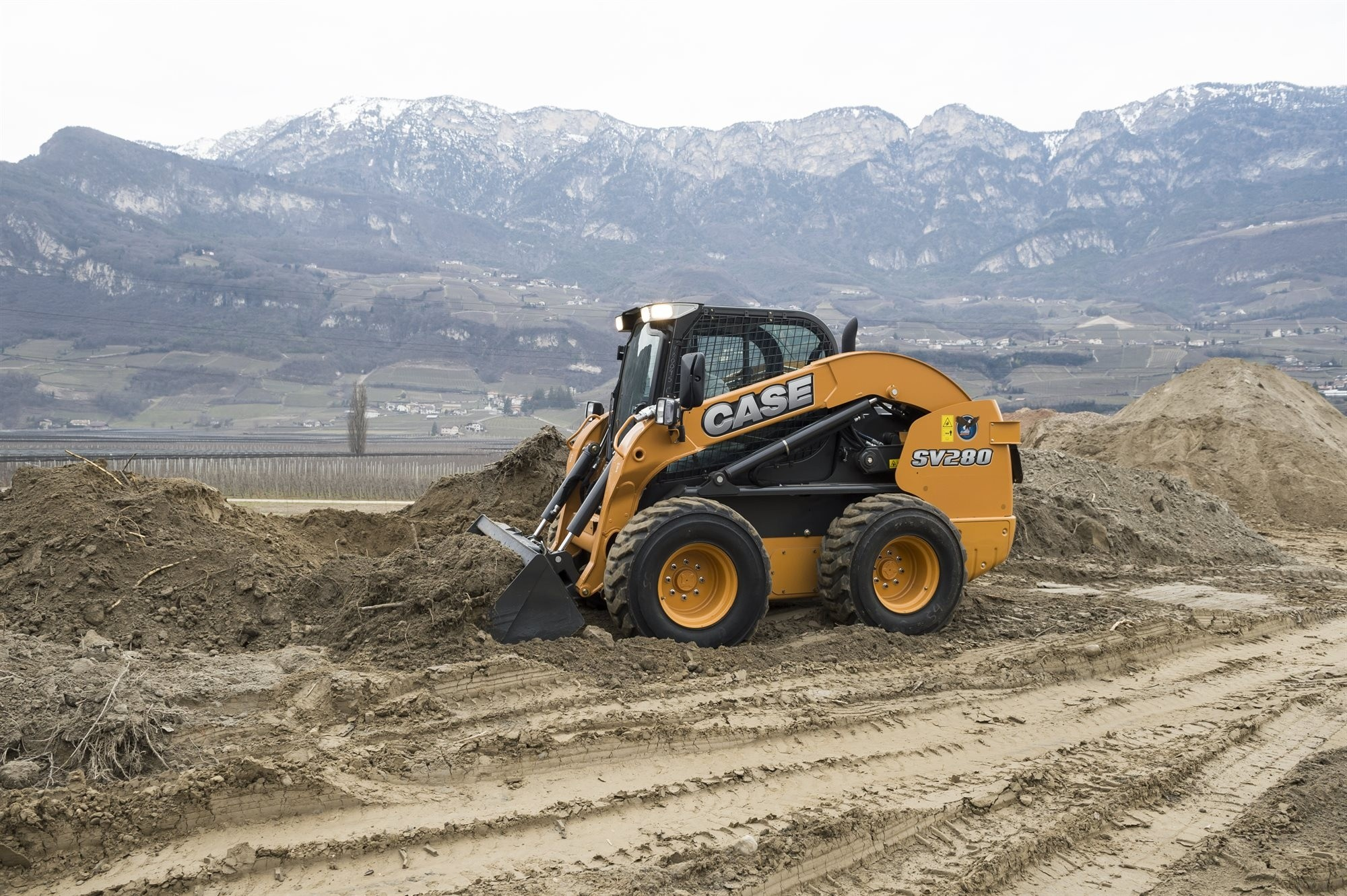 Case extends D Series crawler excavator range